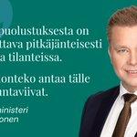 Image for the Tweet beginning: Puolustusministeri @anttikaikkonen esitteli puolustusselonteon eduskunnalle.