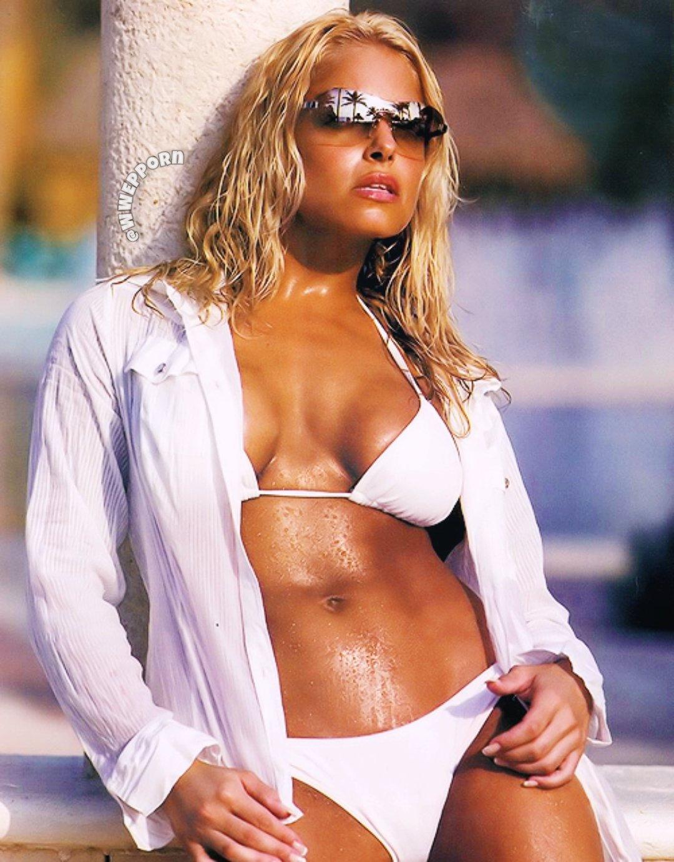 WWE Legend Trish Stratus Shares Latest Thirsty Trap Bikini Photo 118