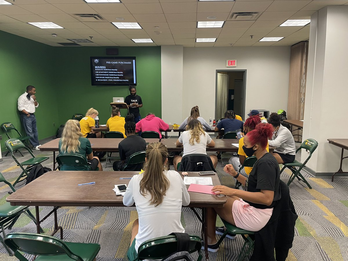 Awesome session with @TeamAltemus and the incredible  @MasonWBB student-athletes! Thank you for the opportunity to share our NIL education. #BelieveBIG