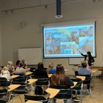 Image for the Tweet beginning: #TransatlanticMediaFellow @anthe_bachmann met with students