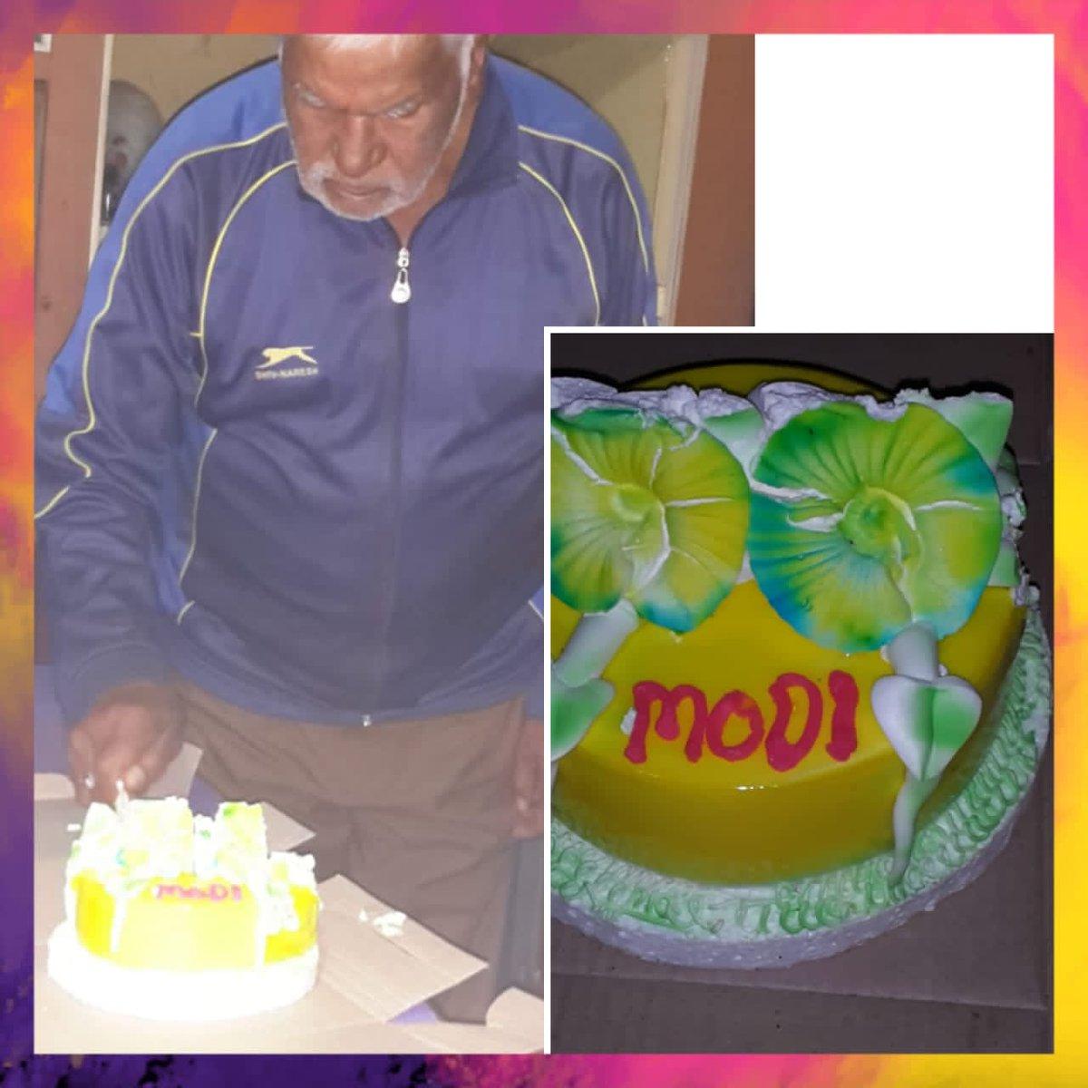 @narendramodi जी जन्मदिन की शुभकामनाएं 💐 महादेव आपको लंबी आयु दे,🙏🏻