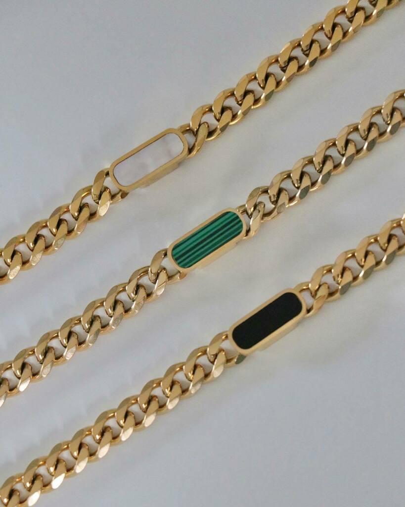 the best-selling billie chain bracelet — available to shop on https://t.co/n5tbhx7AR2 🖤 https://t.co/s352oPAWkG