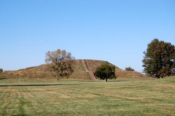 These designs were similar to patterns adopted more than 1,000 years prior in parts of Mexico and Guatemala. Among the most prominent surviving Mississippian sites are the Cahokia Mounds earthworks, which are situated just outside of St. Louis in Illinois.