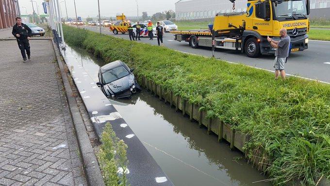 Als gevolg van een ongeluk aan de N211 Wippolderlaan is er file richting Den Haag https://t.co/GQiaXsXiC2
