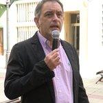 Image for the Tweet beginning: Un policia corrupto no barrio