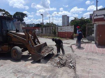 Tag seguimostrabajando en El Foro Militar de Venezuela  E_eNfONWYAQ1BGX?format=jpg&name=360x360