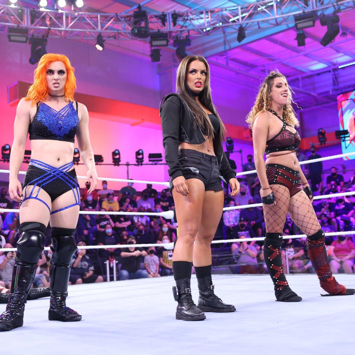 RT @WWENXT_es: #ToxicAttraction #WWENXT 2.0 @WWE_MandyRose @gigidolin_wwe @jacyjaynewwe https://t.co/8KcCE6CHgv