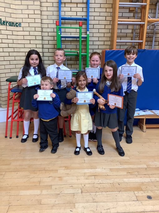 Haselor children with their super certificates from this week - well done all for some excellent effort! 🌟🌟🌟 https://t.co/fYbwFCca8N