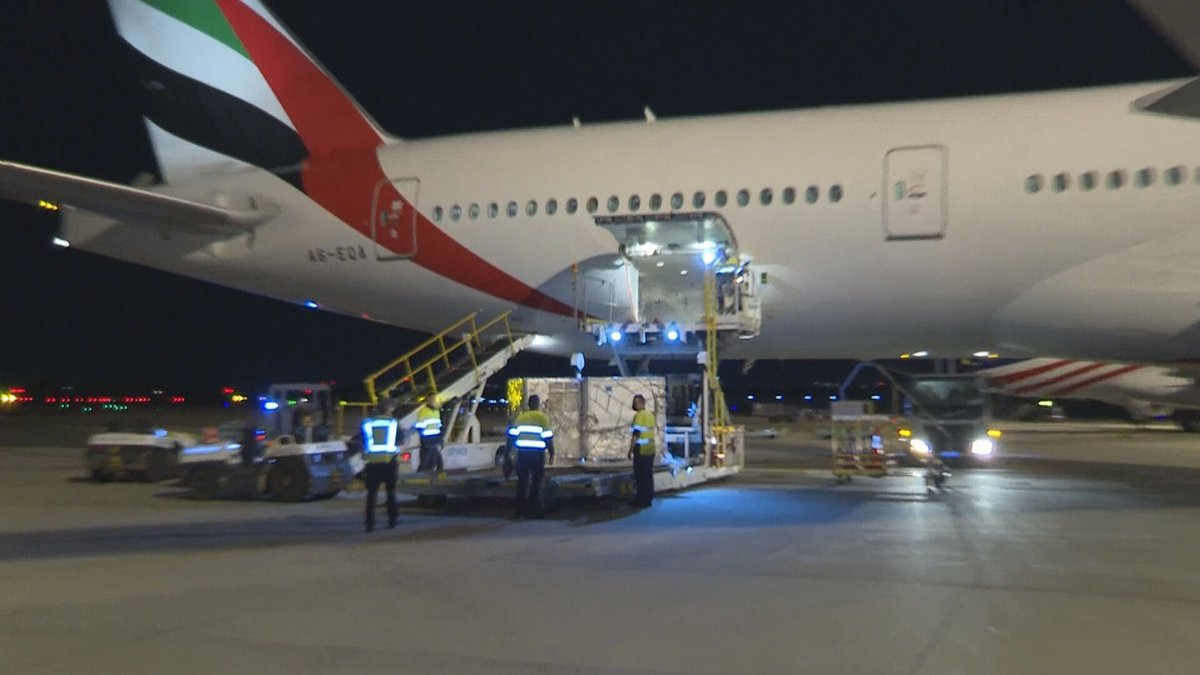 The first batch of Moderna vaccines in Australia has just touched down in Sydney. @9NewsAUS @9NewsSyd