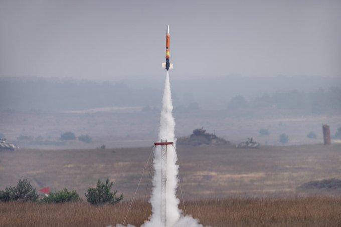 Scholieren lanceren mini-satellieten met raket https://t.co/50P8W7klrC https://t.co/caLSly1Ig0