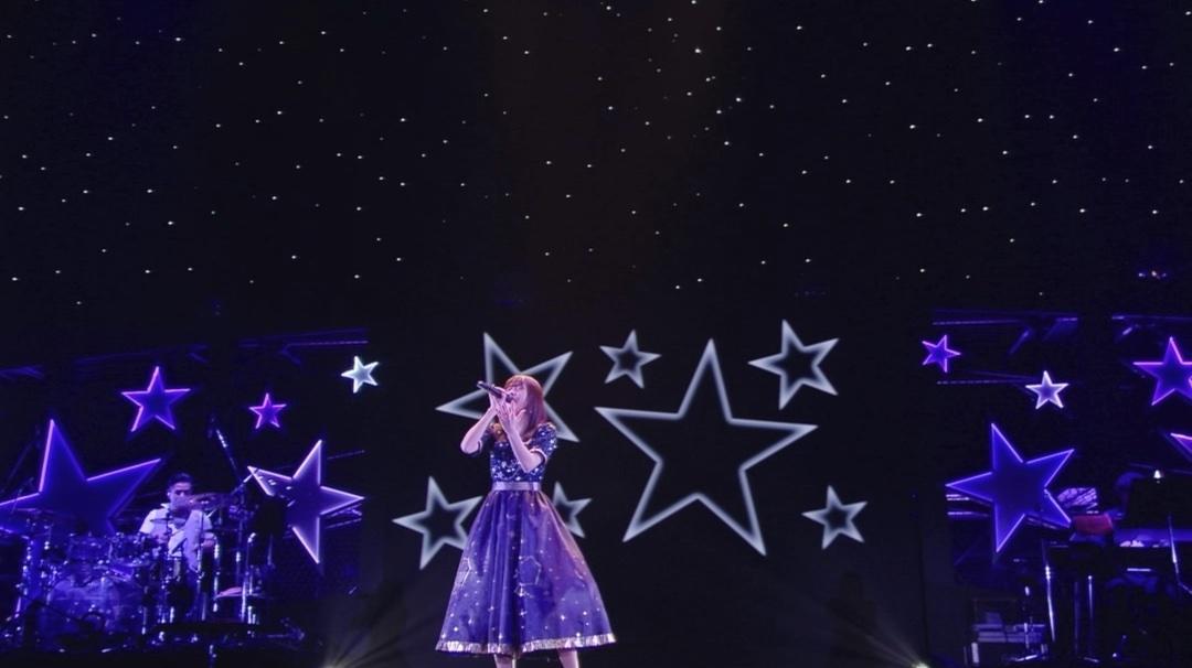 Inori Minase LIVE TOUR 2021 #HELLOHORIZON  開催まであと1日🌅  ̄ ̄ ̄ ̄ ̄ ̄ ̄ ̄ ̄ いよいよ明日よりライブツアースタート💫 グッズの会場受取販売はこちら⏬   5周年記念ライブの映像もチェック🌃   #水瀬いのり (スタッフ)