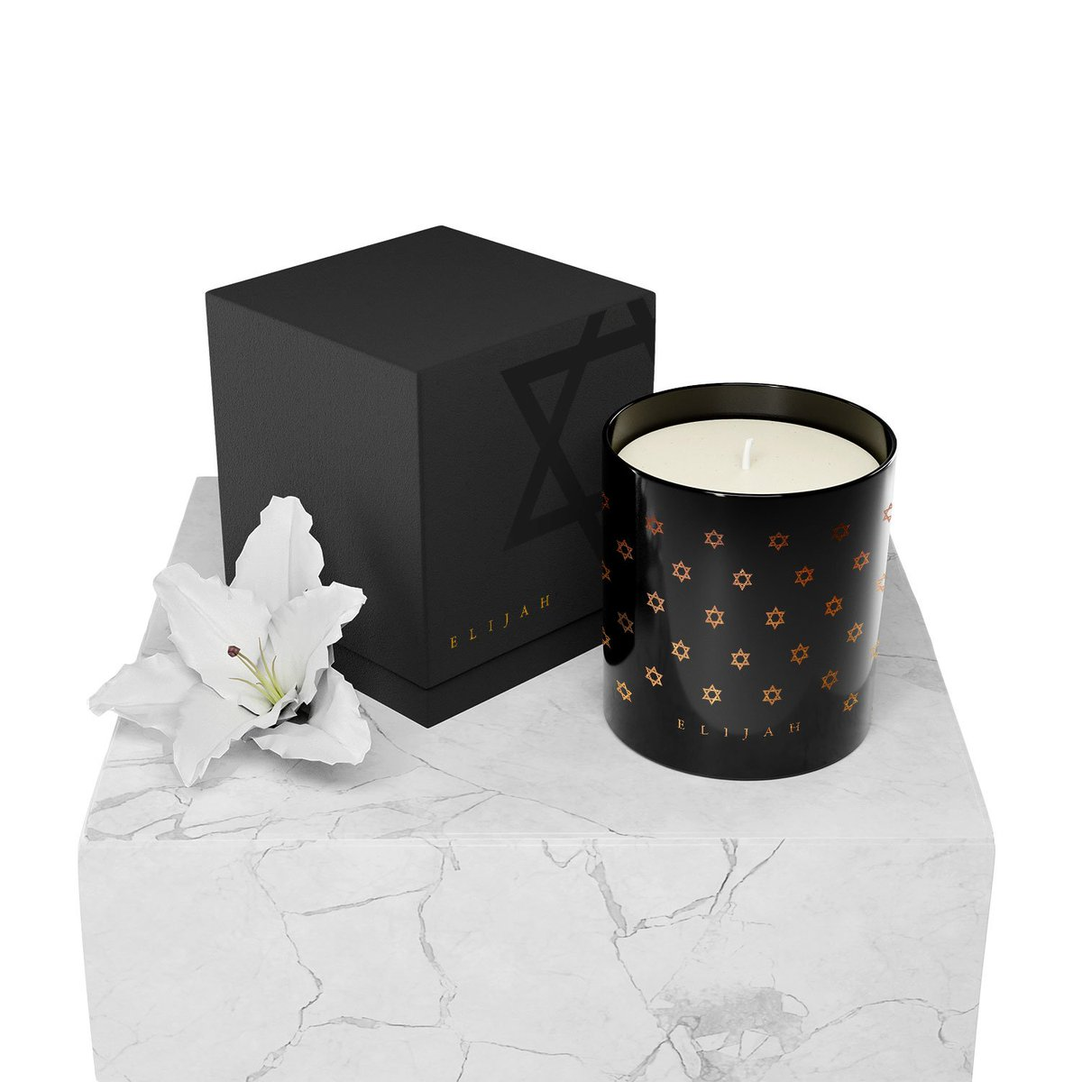 Our Shields of David Candle features notes of sweet and warm, aromatic spices. This Clove & Cardamom fragrance marks the end of Shabbat.