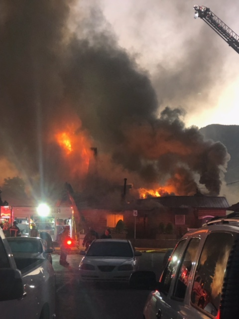 Heartbreaking to hear the news about Mt. Charleston Lodge, a Southern Nevada treasure.  We are so grateful to the firefighters and police officers responding and keeping folks safe. https://t.co/oWJoRJdRWw