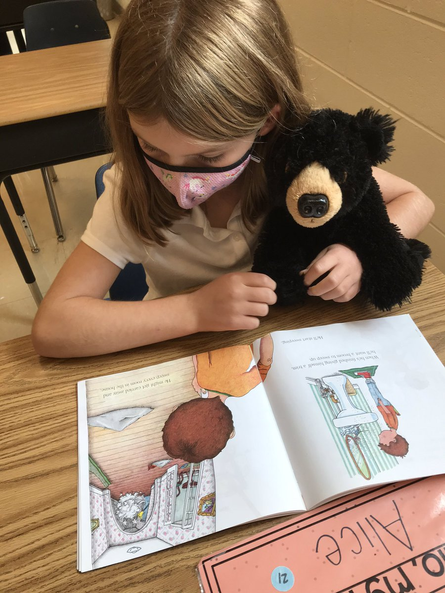 We brought our stuffed friends to school today and they got to hear some awesome reading! Thanks <a target='_blank' href='http://twitter.com/ATSlibrary'>@ATSlibrary</a> for letting us borrow some friends! <a target='_blank' href='https://t.co/44Iuwtjozt'>https://t.co/44Iuwtjozt</a>