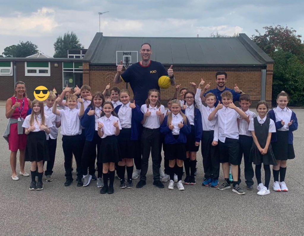 Yesterday was a great day! Thanks to Paul Sturgess, the tallest man in Britain, for visiting us!! 🏀🔥👍 https://t.co/6C1wltWwfm