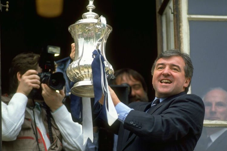 Just seen Terry Venables is 78 today 🎂 the last man to stand on the balcony of Tottenham town hall. Happy Birthday Terry #THFC #TerryVenables