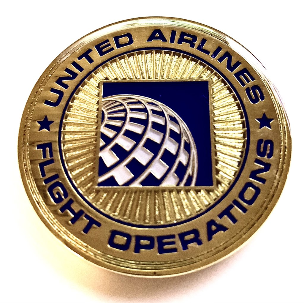 Definitely going to start collecting these! This beautiful Dreamliner coin is my first! #united #mynunitedjourney #aviation @united #lovemyjob