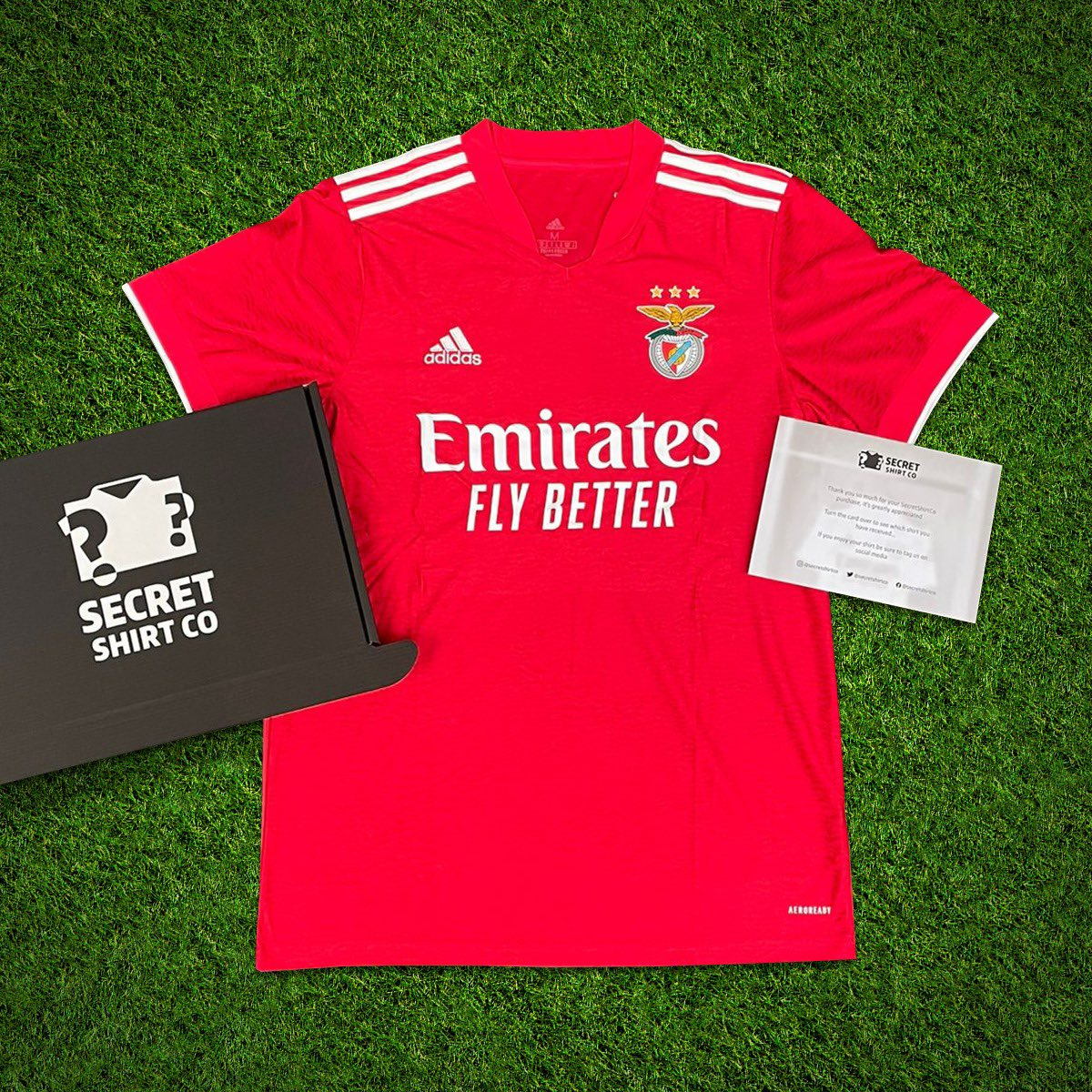 If Liverpool and Manchester City both win today we'll giveaway a SecretShirt.co box 📦 To enter 👇 🔄 Retweet this tweet 🤝 Follow us Good luck!