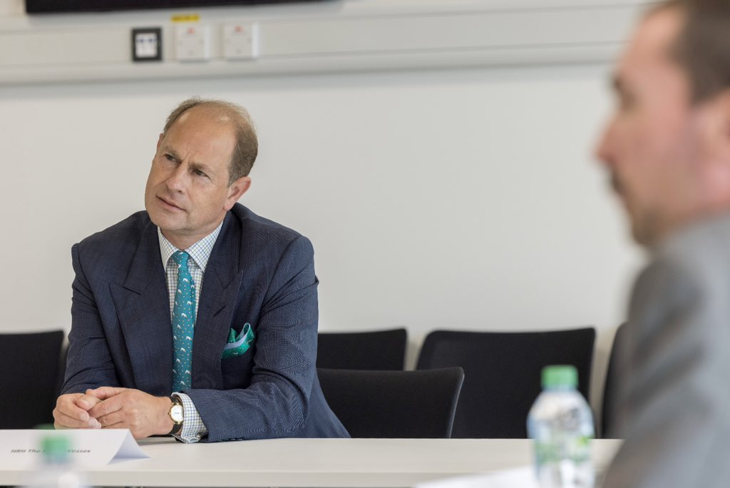 On Thursday, His Royal Highness visited Birmingham. First, The Earl visited @WMPolice where he took part in a roundtable discussion about the city's Pandemic response with @BhamCityCouncil and local emergency services.