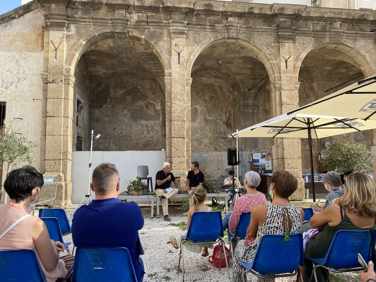 """Ieri, a Palermo.  La presentazione di un libro che ho amato molto: """"Storia vera e non vera di Chaim Birkner"""" del talentuoso Omer Meier Wellber."""