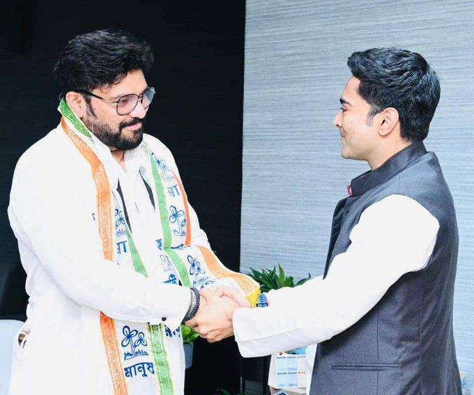 Former Union Minister and sitting MP Babul Supriyo joins TMC..
