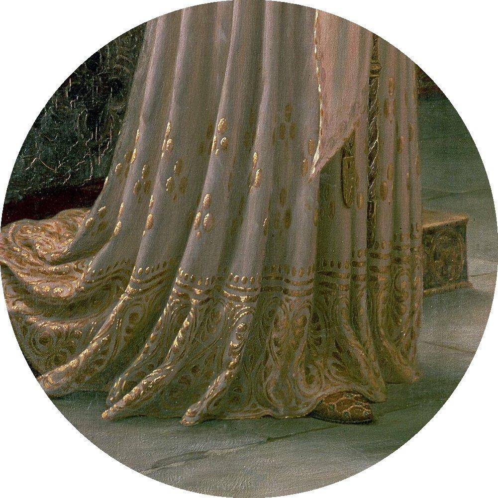 4. 1900'lu yılların başında resimlerinin birçok kopyası üretilen ve bu yüzden Büyük Britanya'daki neredeyse her evde bir eseri bulunan Edmund Blair Leighton'ın müthiş fırça işçiliğini, kraliçenin tacı, kızıl saçları ve elbisesinin detaylarında görebiliyoruz.