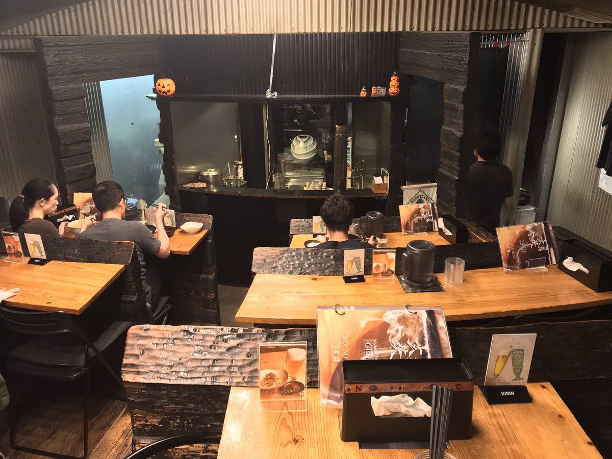 ☆全国各地の美味しいラーメン☆劇場のような店内の臨場感あふれる舞台の厨房で作り出されるラーメン‼️(福岡県福岡市中央区薬院)詳細はこちら↓↓↓↓↓