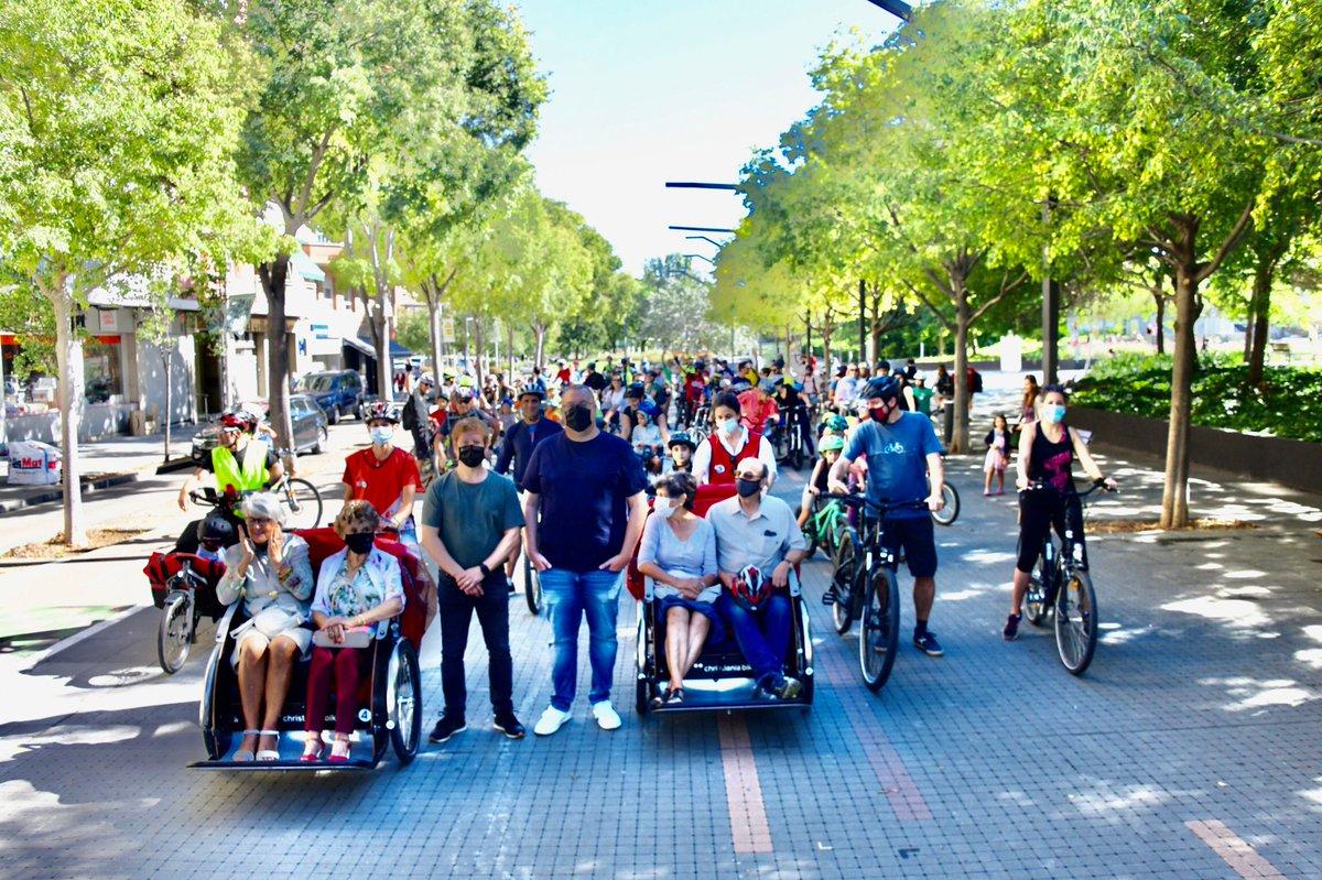 El tinent d'alcaldia @SolerPere i el regidor @JoseGallardoSTQ destaquen l'aposta de #Santcugat per seguir impulsant una mobilitat més sostenible, amb un protagonisme destacat per a les bicicletes i l'adequació de més carrils bici