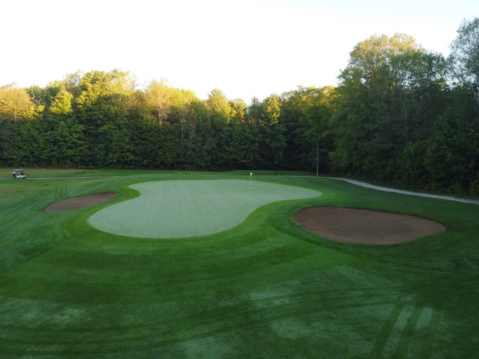 Just before the sunrise on 4 west #FallGolf