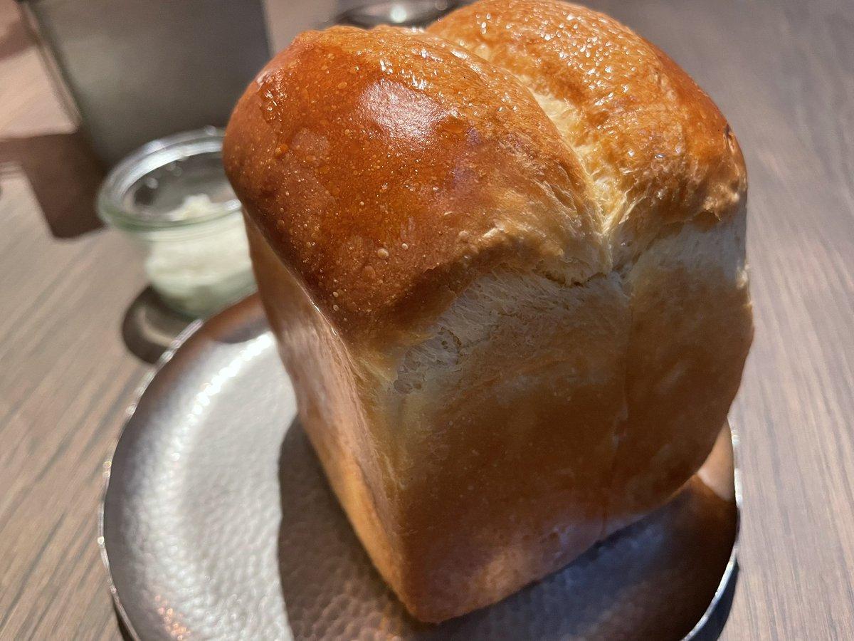 池袋にあるラシーヌ。ここは誰にも教えたくないくらいお気に入りのお店。本当に全部美味しいからめちゃくちゃリピしてる。中でもパンが最高🍞