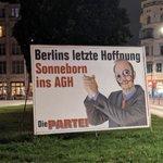 Image for the Tweet beginning: Letzte Plakatierungswelle der PARTEI in
