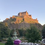 Image for the Tweet beginning: Great light in Edinburgh this