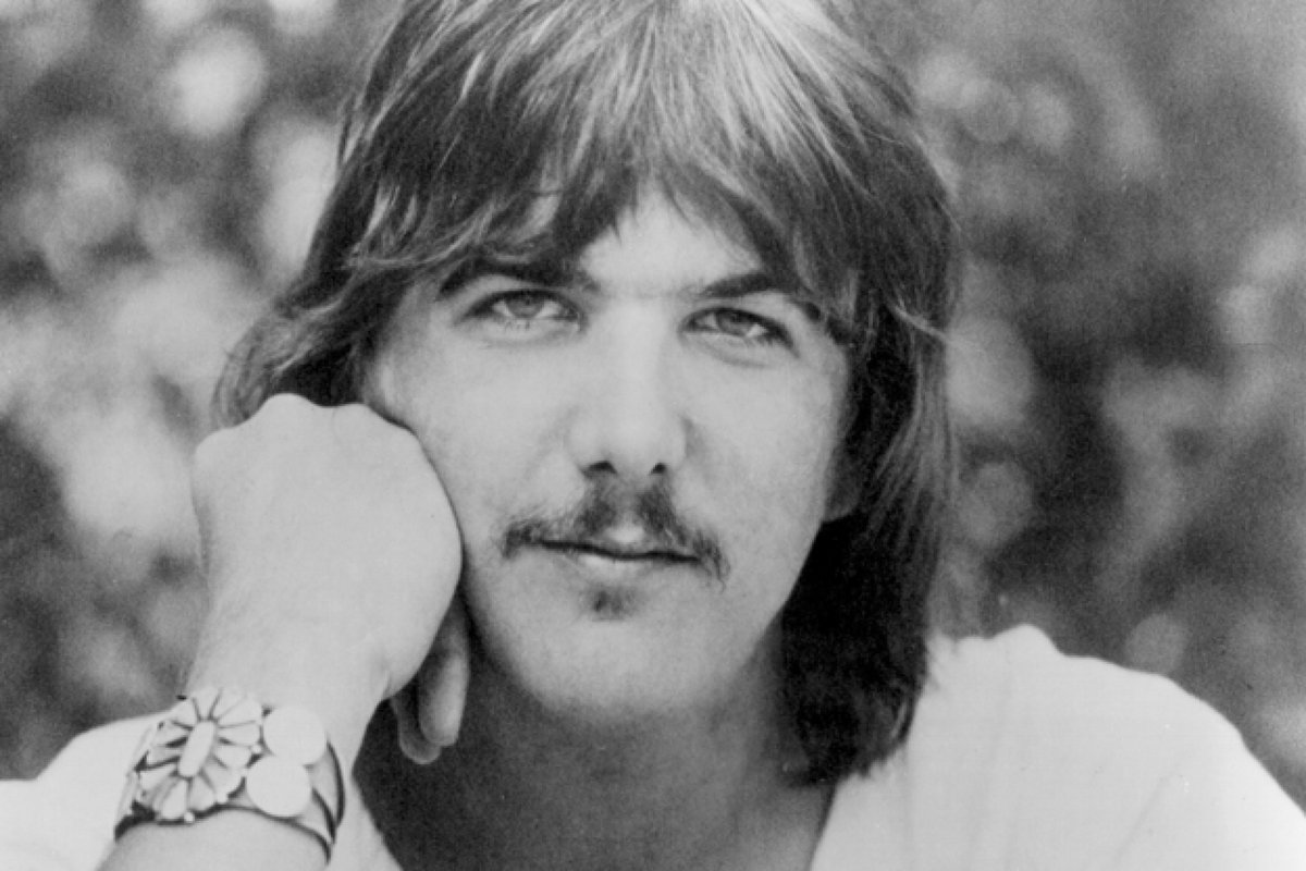 On this week's United States of #Americana, @BillDeVille remembered the late Gram Parsons, a godfather of alt-country. Find the entire episode and playlist, along with the region's Americana gig list, posted here: thecurrent.org/programs/unite…