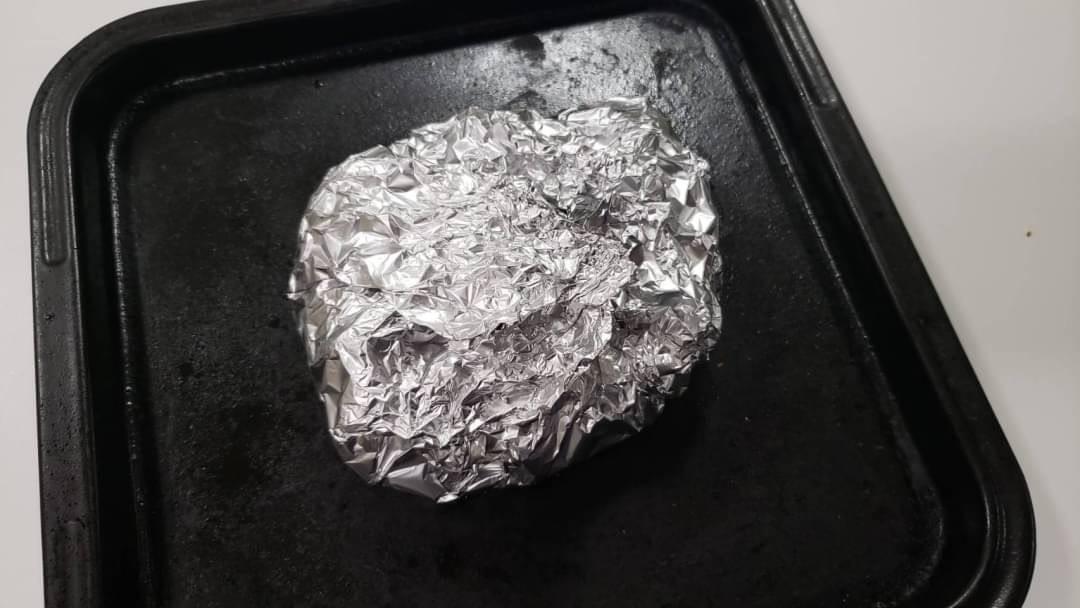 材料をアルミホイルで包みオーブントースターで焼くだけ!簡単でとっても美味しそうなホイル焼きレシピ!