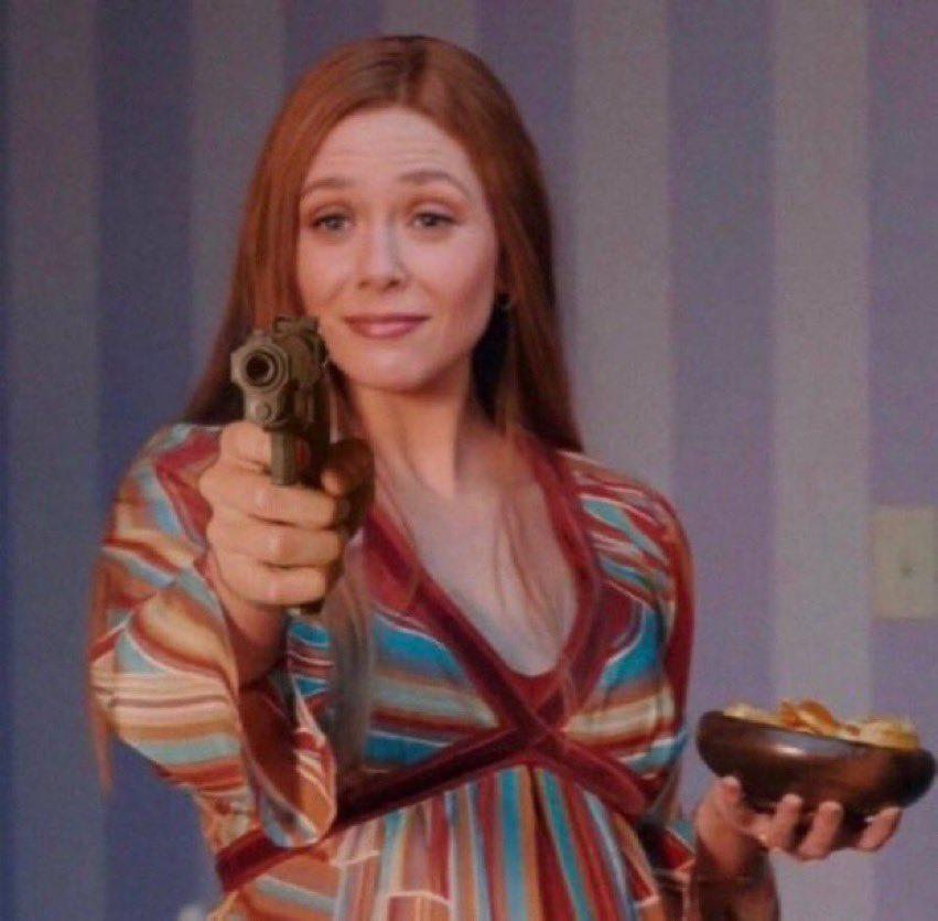 RT @_Micheeeerr: And Elizabeth Olsen didnt win beasuseeeee??? #Emmys https://t.co/BOB4lF1qa0