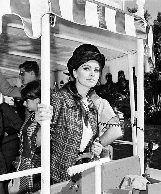 Sophia Loren Happy Birthday, Darling!