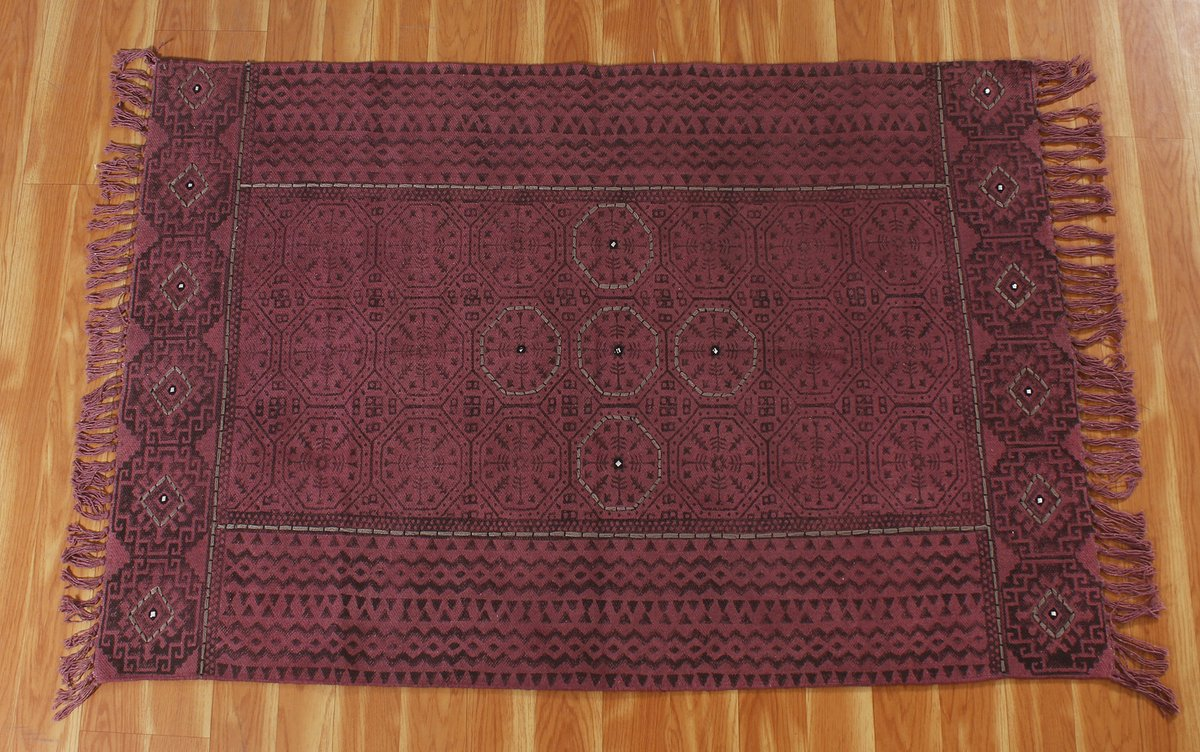 The red color cotton area rug is more attractive for the living room and bedroom decor. Place a custom order: etsy.com/listing/983670… #rugs #carpet #homedecor #interiordesign #bedroomdesign #kitchendesign #handmade