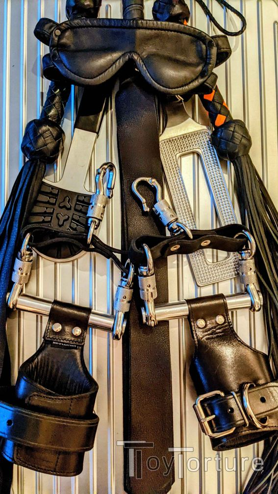 test Twitter Media - Packing for my Berlin business trip forces me to unpack my Folsom luggage 🙈 So, who wants to experience these beauties from @MrSLeather @OxBalls & @BallisticMetal tomorrow evening at @QuaelgeistBLN? 😈 https://t.co/qhYZVLJls1