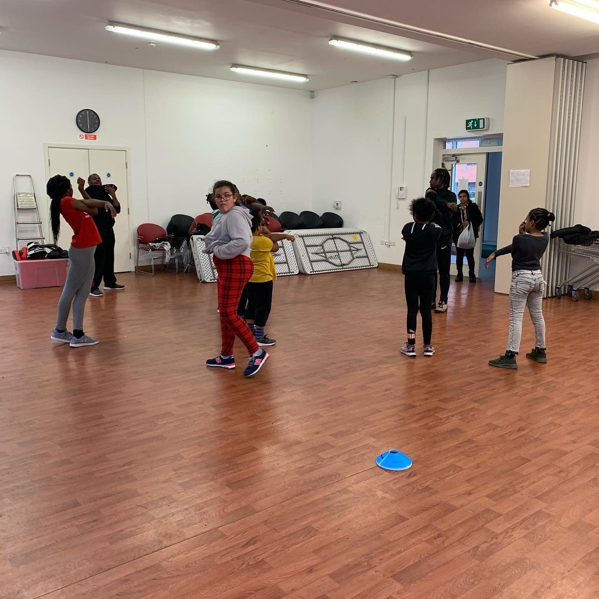 Starting free exercise sessions at Morningside Community Centre tonight & every Monday we'vegot youth Boxercise 5 to 6pm Wednesday we've got adult Zumba 7 to 8pm Friday chair based exercise with lunch Saturday adult boxercise 10 to 11am @HelloSanctuary @wickaward @dpymayorhackney