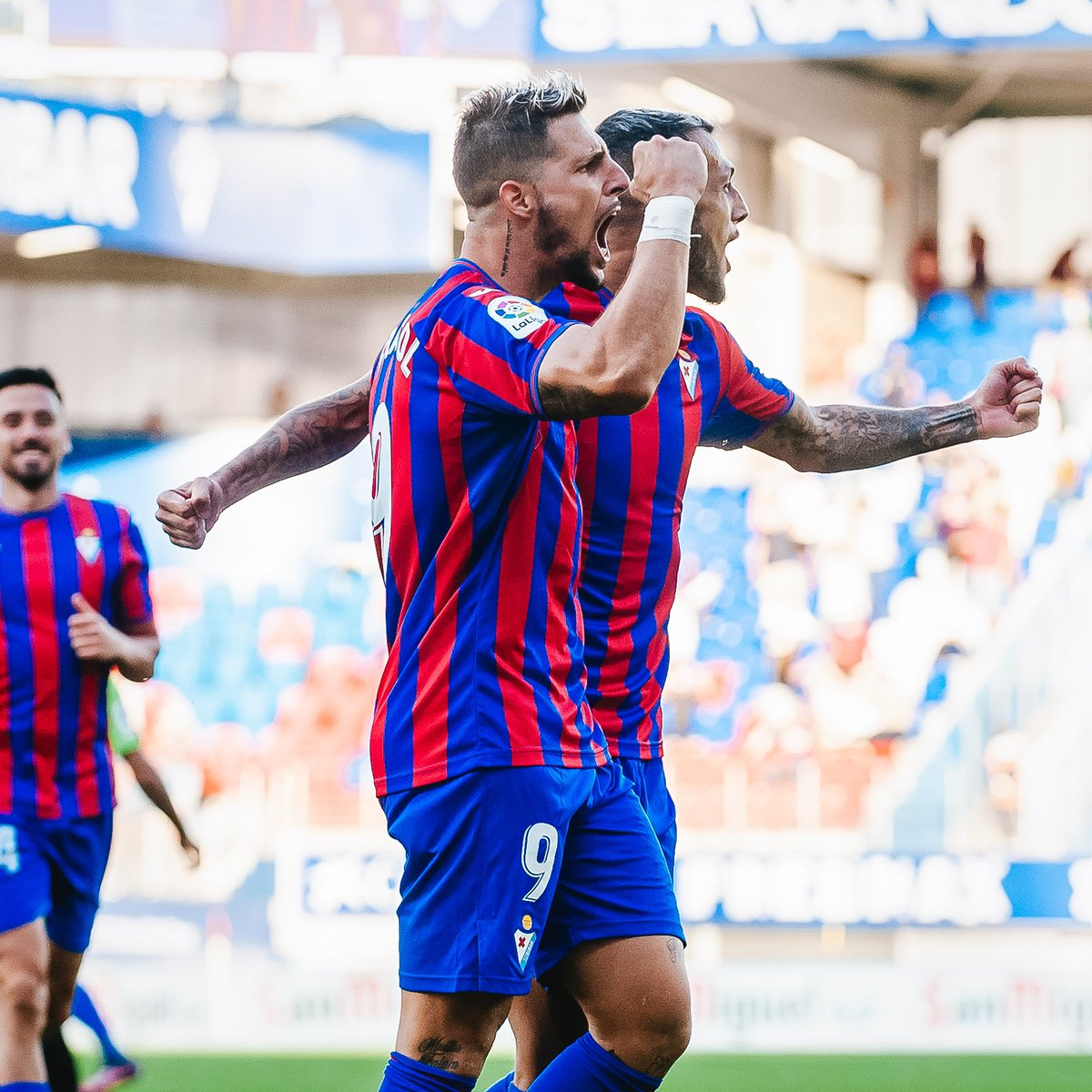 😍 Epic game 💙❤️