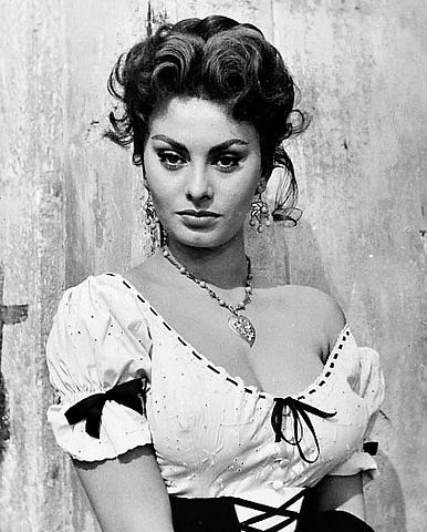 Happy birthday Sophia Loren! The first actor to win an Academy Award a foreign language film in 1962.