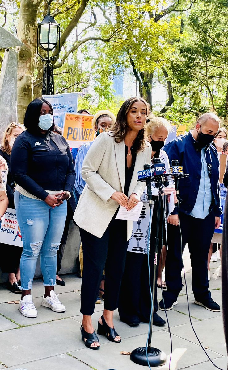 NYC's immigrants are our neighbors + loved ones. They pay taxes for City services just like any NYer—yet they still don't get to vote in our municipal elections. This is a right they more than deserve. Proud to join @ydanis #OurCityOurVote coalition to say let's #PassIntro1867!
