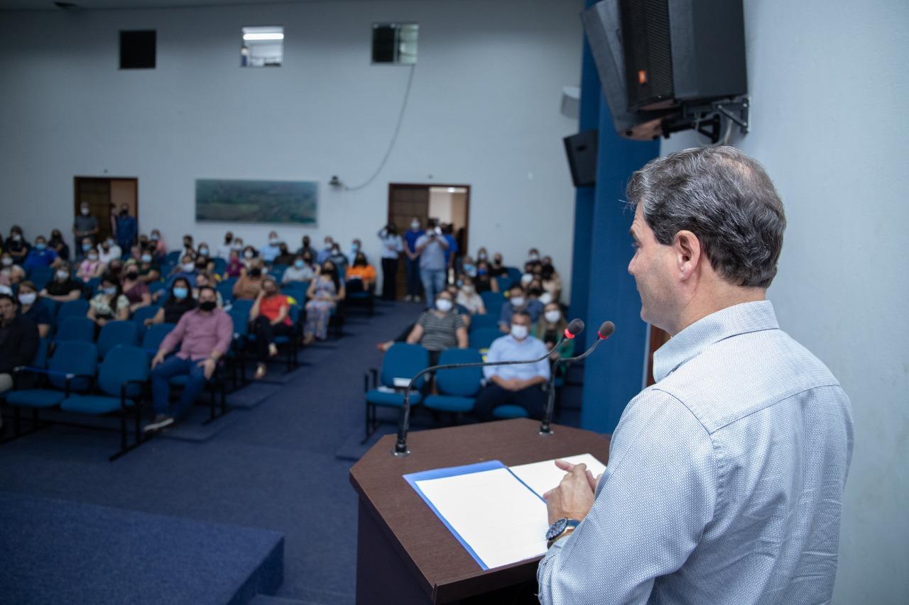 Cumprindo compromisso de campanha, Prefeito Marcos Calderan trabalha na valorização e reconhecimento do servidor público do município. 4