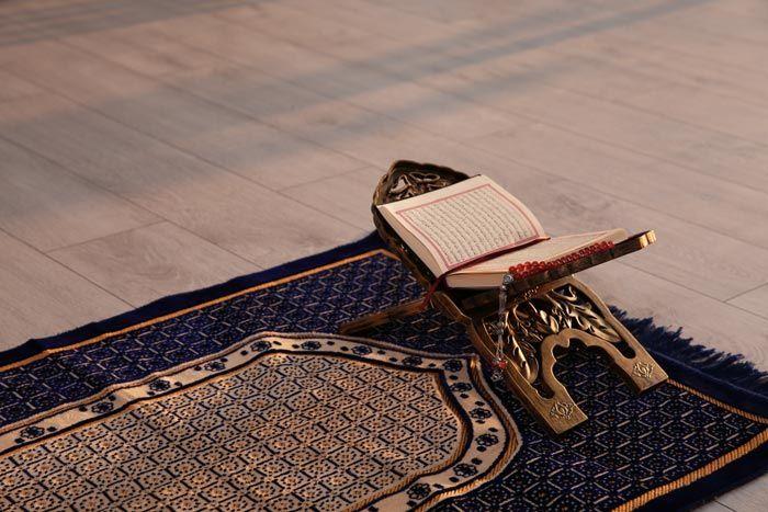 İnsanların iman yönünden en faziletlisi, Allah'ın her yerde kendisiyle birlikte olduğunu bilendir.  l Hadis-i Şerif