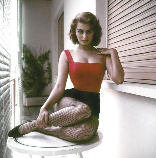 Happy birthday to a cultural and cinema icon... Sophia Loren...a healthy 87th birthday today!