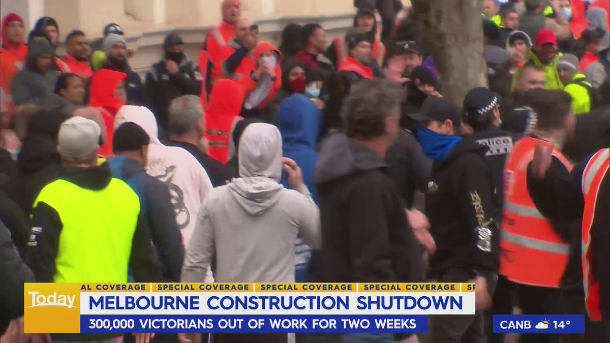 There was chaos on the streets of Melbourne yesterday as construction workers turned against their own union and protested against mandatory vaccination. #9Today