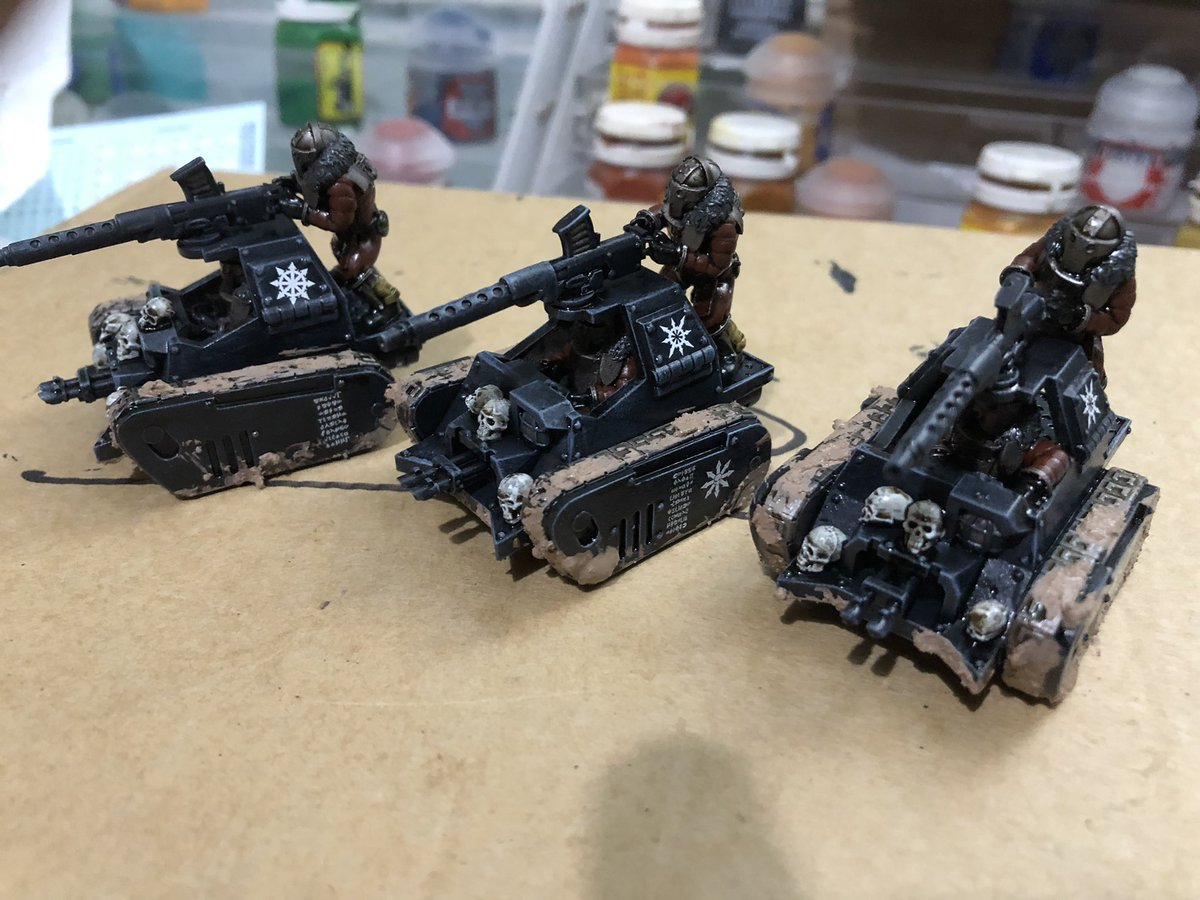 Work in progress. Gotta leave till tomorrow now for the Agrellan badlands mud to dry. Then it's paint the mud, do the weathering and sorted.