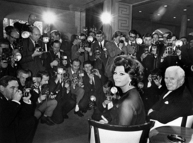 Happy 87th Birthday, Sophia Loren. Seen here with Charlie Chaplin in London in 1965.
