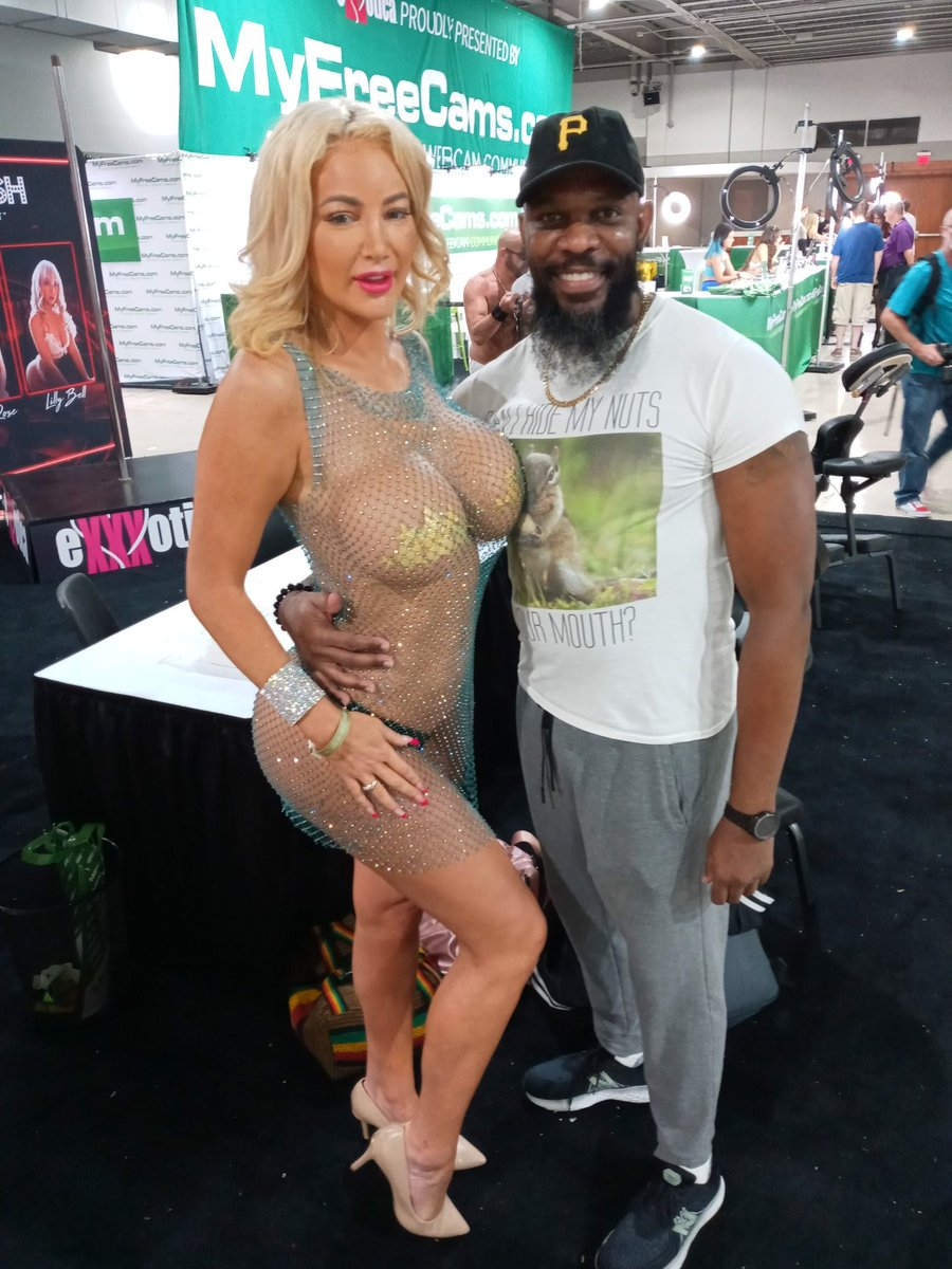 @Nicolette_Shea @EXXXOTICA Thanks for being such a great hostess!!!