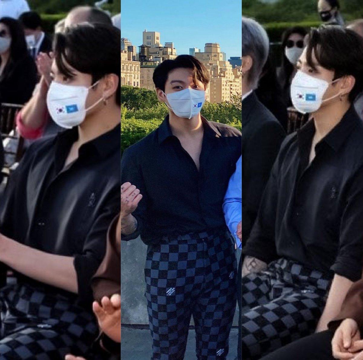 Jeon Jungkook the sexiest man derken boşuna demiyorduk...